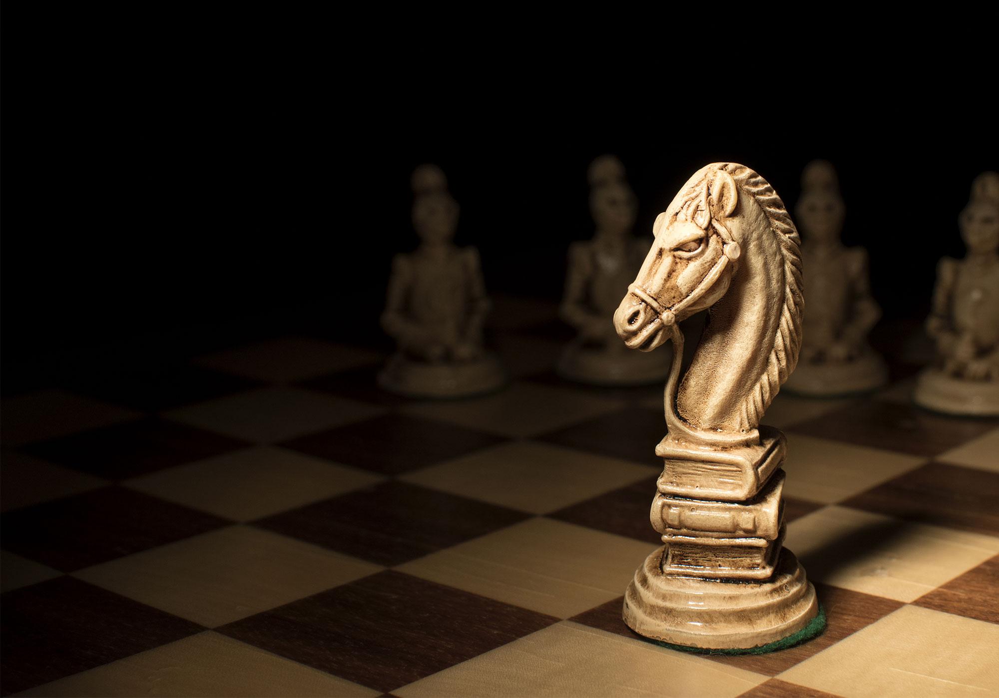 Kuka pelkää strategiamörköä?